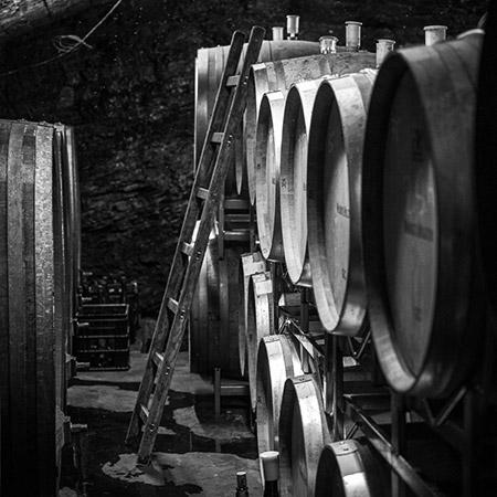 Holzfass im Keller